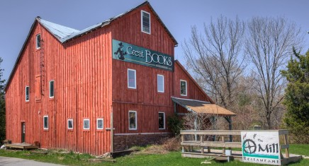 Williamsford Mill: Book Cafe